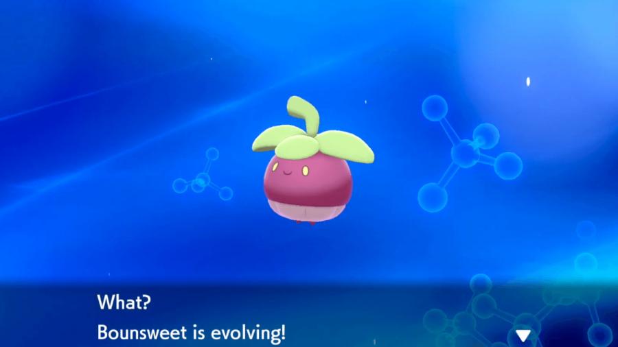 Bounsweet evolving in Pokemon Sword & Shield.